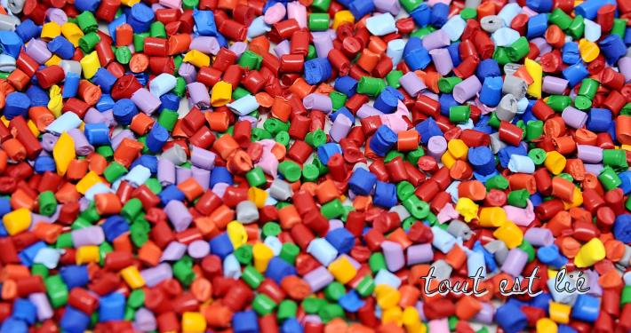 Le plastique, matériau incontournable de la pandémie